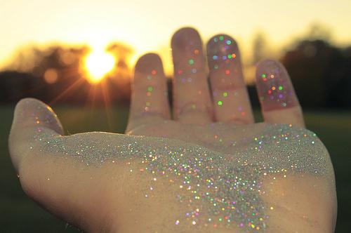 glitter_hand