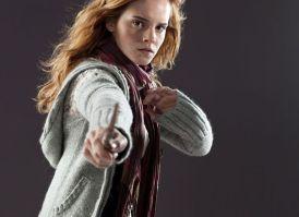 DH1_Hermione_Granger_in_her_muggle_attire_01