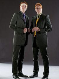 DH1_The_Weasley_twins_in_their_wedding_dress_01.jpg